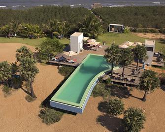 沙丘生態村及水療酒店 - 卡拉佩特 - 本地治里 - 游泳池