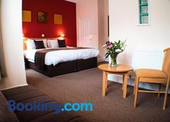 Glen Mona - Douglas - Bedroom