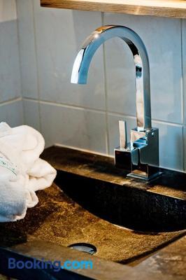 Alp'Hotel - La Clusaz - Bathroom