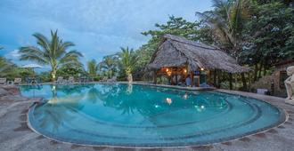 Popa Paradise Beach Resort - Bocas del Toro - Pool