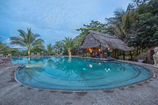 Popa Paradise Beach Resort - Bocas del Toro - Bể bơi