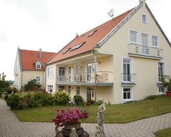 Auszeit - Ihr Sibyllenbad Gästehaus - Neualbenreuth - Gebäude
