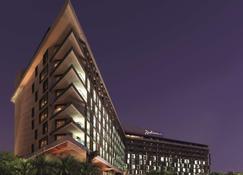 Radisson Blu Hotel, Abu Dhabi Yas Island - Abu Dhabi - Building
