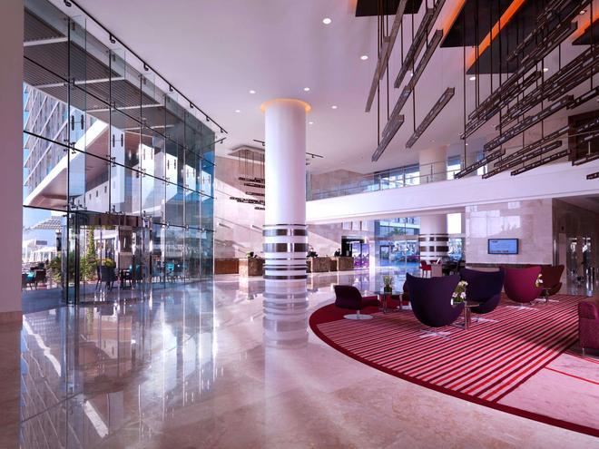 Radisson Blu Hotel, Abu Dhabi Yas Island - Abu Dhabi - Lobby