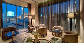 72 Hotel - Sharjah