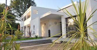 Hotel Eden Park - Pau - Bina