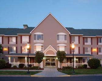 Country Inn & Suites by Radisson, Greeley, CO - Greeley - Building
