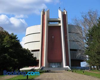 Hotel Mirage Pleven - Pleven - Building