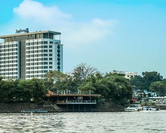 Radisson Blu M'Bamou Palace Hotel, Brazzaville - Браззавіль - Building