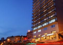 Hotel Neboder - Риека - Здание