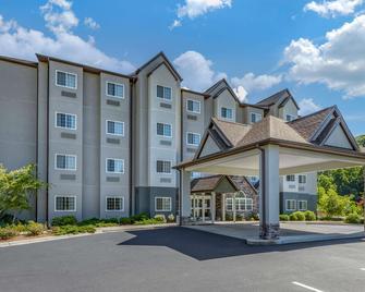 Microtel Inn & Suites by Wyndham Sylva Dillsboro Area - Dillsboro - Будівля