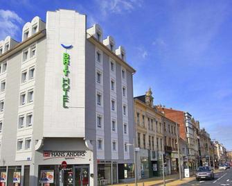 Brit Hotel Calais - Kales - Gebouw