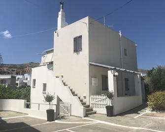 Villa Katerina - Azolimnos - Building