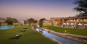 Windhoek Country Club Resort - ווינדהוק