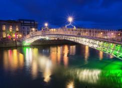 Holiday Inn Express Dublin City Centre - ดับลิน - วิวภายนอก
