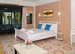 Allstar Guesthouse - Karon - Camera da letto
