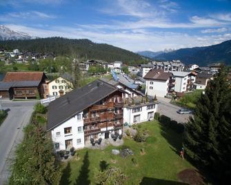 Hotel Bellaval - Laax - Building