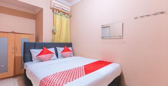 OYO 2765 Mulia Raja Kost - Tangerang City - Bedroom