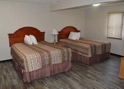 TC Motel - Medicine Hat - Bedroom