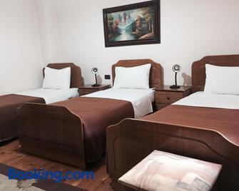 Gold Hotel - Korçë - Bedroom