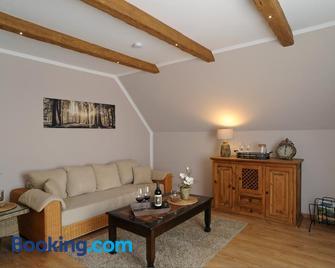 Ferienwohnung Maarland - Schalkenmehren - Living room