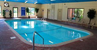 ويستجيت برانسون وودز ريزورت آند كابينز - برانسون - حوض السباحة