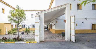 Albergue Inturjoven Marbella - Marbella - Edificio