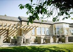 Shireburn Arms Hotel - Clitheroe - Building