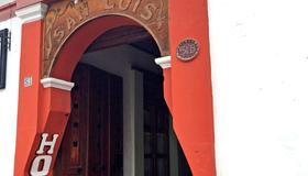 Hotel San Luis - ซาน คริสโตบัล เด ลาส กาซาส - วิวภายนอก