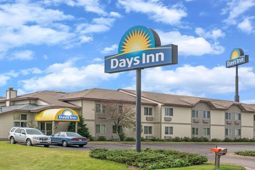 Days Inn by Wyndham West-Eau Claire - Eau Claire - Rakennus