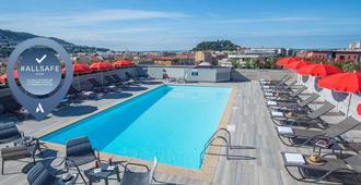 Novotel Nice Centre Vieux-Nice - Nice - Bể bơi