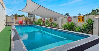 Bundaberg Coral Villa Motor Inn - Bundaberg - Pool