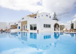 Naxos Holidays - Naxos - Pool