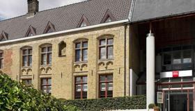 Ibis Brugge Centrum - Bruges - Building