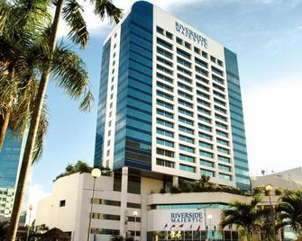 Puteri Wing - Riverside Majestic Hotel - Kuching - Building