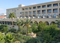 Oscar Resort Hotel - Kyrenia - Building