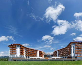 Radisson Blu Resort, Bukovel - Bukovel - Building