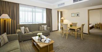 فندق سيتي سيزونز هوتل مطار دبي - دبي - غرفة معيشة