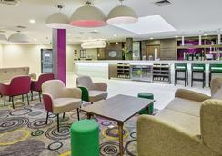 Hampton by Hilton Bristol City Centre - Бристоль - Лобби