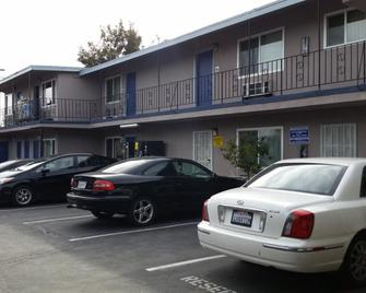 Del Aire Inn - Inglewood - Building