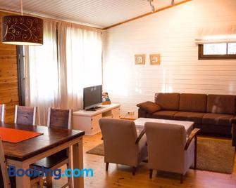 Break Sokos Hotel Vuokatti Apartments - Vuokatti - Living room