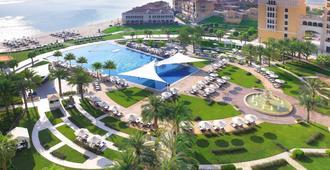 The Ritz-Carlton Abu Dhabi, Grand Canal - אבו דאבי - בריכה