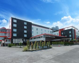 Grand Hatika Hotel - Tanjung Pandan - Building