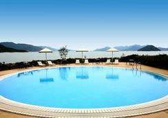 Grand Prince Hotel Hiroshima - Hiroshima - Pool