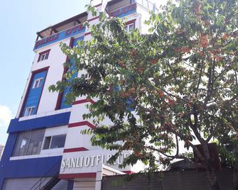 Sanli Hotel Blue - Trabzon - Building