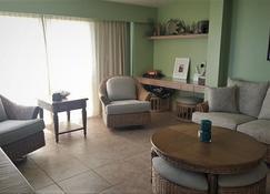 Blue Latitude- 3 Br Villa In Long Bay, West End Tortola, Bvi - Long Bay - Ruang tamu