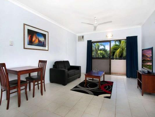 Cairns City Palms - Cairns - Living room
