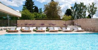 Cowley Manor - Cheltenham - Pool