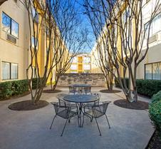 La Quinta Inn & Suites by Wyndham Round Rock North