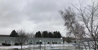 Kincardinite Motel - Kincardine - Outdoors view